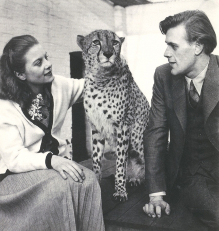 Pat and Richard Larter with Prince the cheetah at London Zoo, 1953 National Portrait Gallery Courtesy of Richard Larter